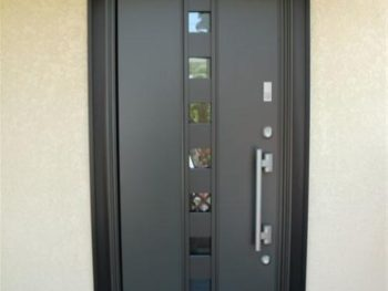 S様邸 内窓設置・ドア交換工事